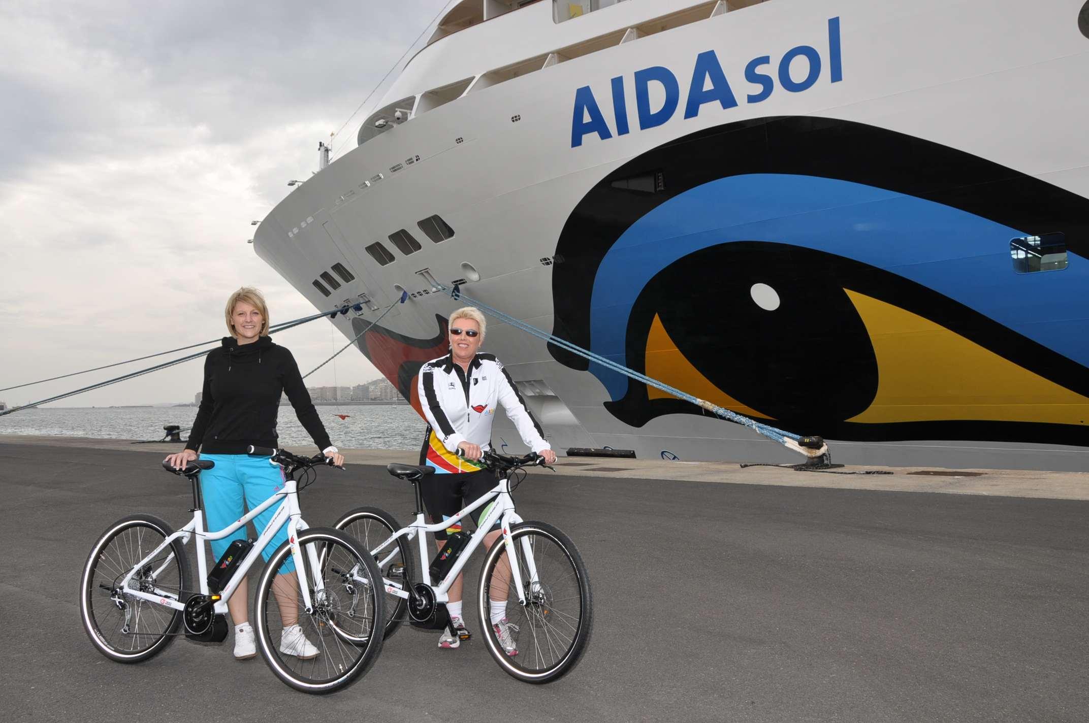 Aida Kreuzfahrtschiffe nehmen Elektrofahrräder an Bord. © spothits/AIDA Cruises
