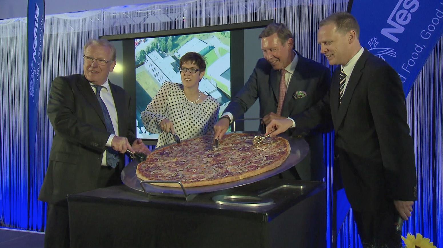 Modernstes Tiefkühlpizza-Werk Europas eröffnet. © spothits/mhoch4tv