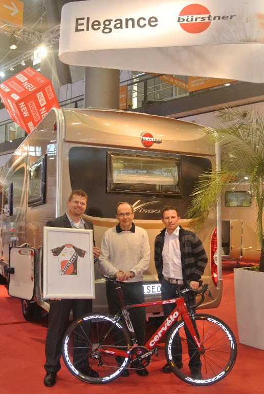 »Bürstner – Dümo Cycling« Rad-Rennteam. © spothits/Bürstner