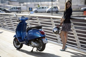 La Dolce Vespa: Die neue Vespa Sprint rollt zu den Händlern. © spothits/Fendt