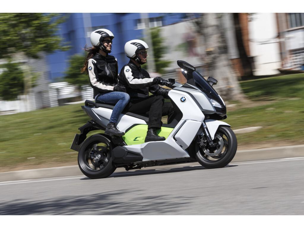 BMW C evolution: Neuer Elektroroller ist sauber, schnell und teuer. © spothits/BMW