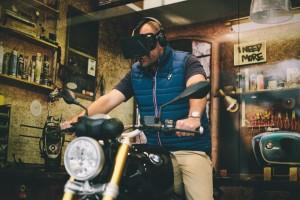 BMW Eye Ride: Virtuelle Motorradfahrt mit 110 Grad Sichtbereich. © spothits/BMW