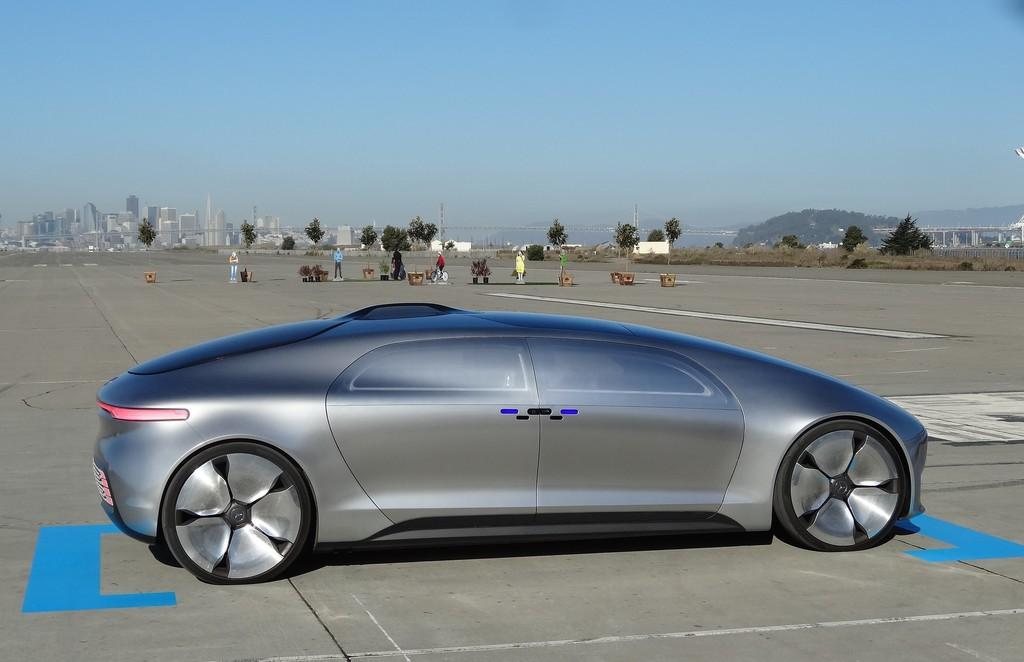 Mit dem Forschungsauto in die Zukunft: Fahren 2.0.©s pothits/Auto-Medienportal.Net/Daimler