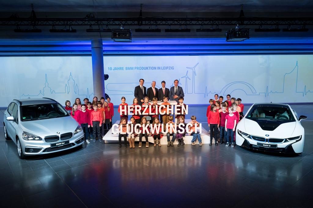 BMW hält Bänder für Feier in Leipzig an.© spothits/Auto-Medienportal.Net/BMW