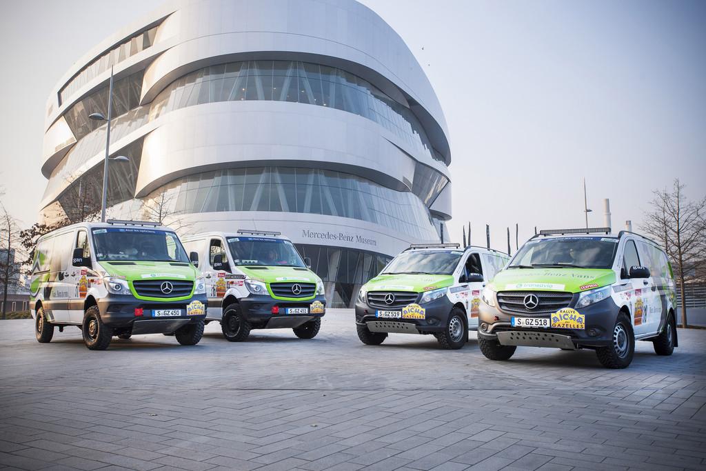 Mercedes-Benz mit vier Fahrzeugen bei Rallye Aicha des Gazelles. © spothits/Auto-Medienportal.Net/Daimler