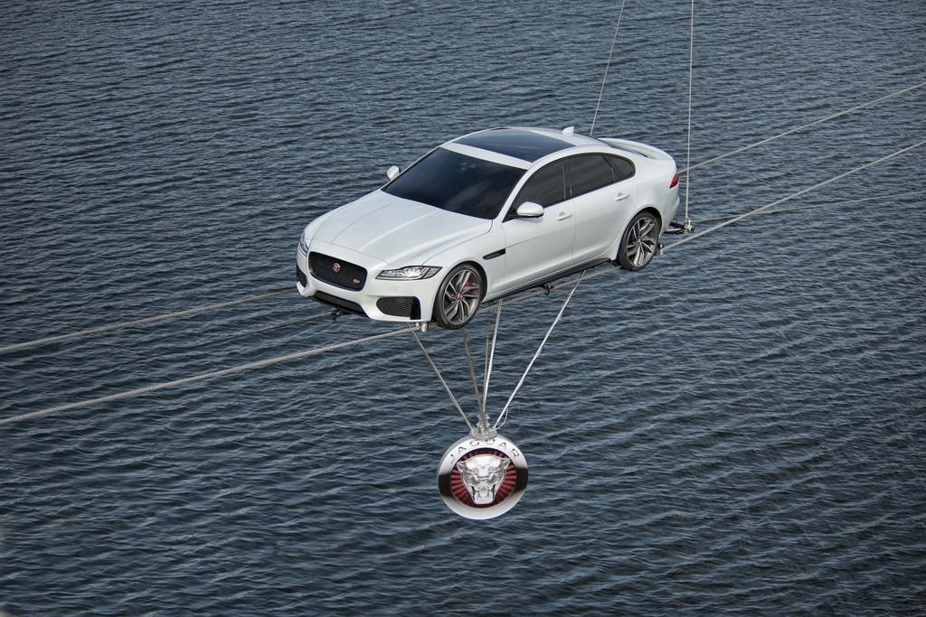 Neuer Jaguar XF schafft unter vier Liter. © spothits/Auto-Medienportal.Net/Jaguar
