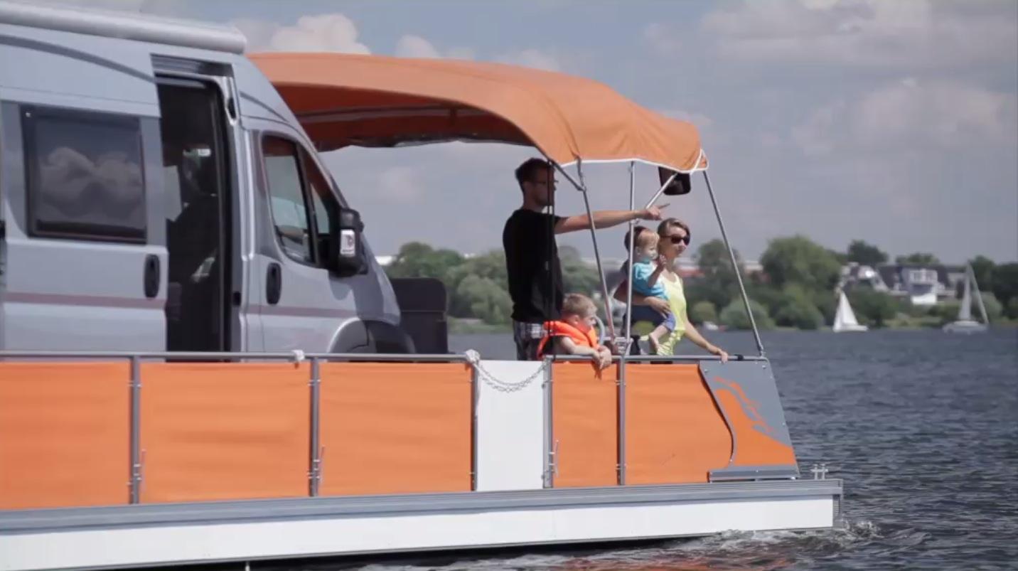Mit dem Womo auf dem Wasser unterwegs. © spothits/Mhoch4TV