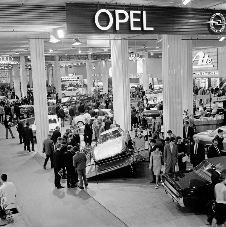 Techno Classica: 50. Geburtstag des Opel Experimental GT.© spothits/Auto-Medienportal.Net/Opel