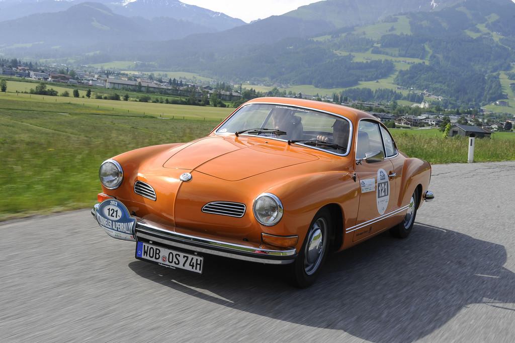 """Techno Classica: Die """"Eventchecker"""" von Volkswagen. © spothits/Auto-Medienportal.Net/Volkswagen"""