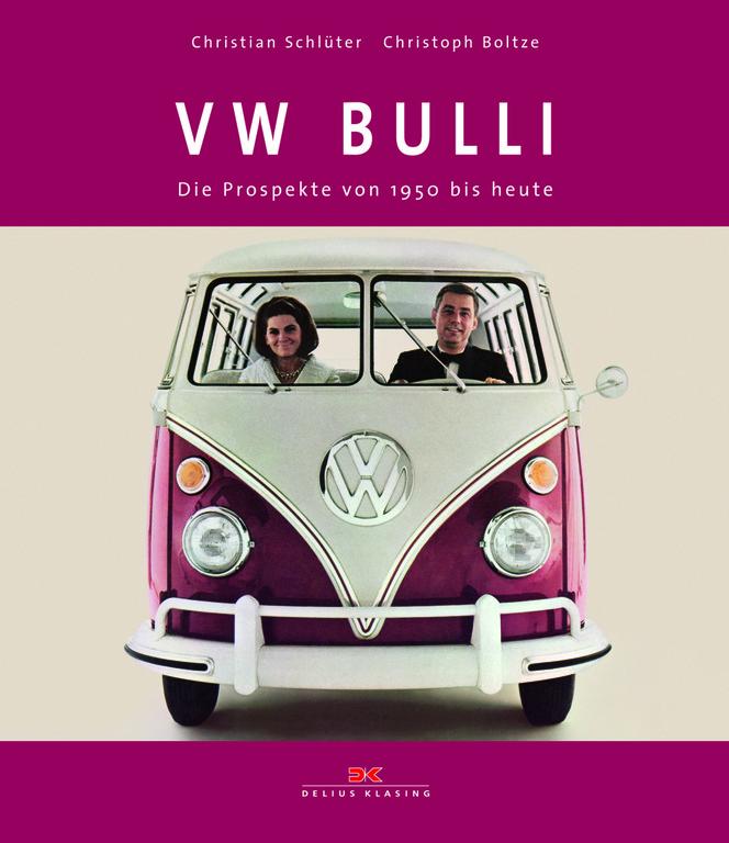 Im Bücherregal: Der Bulli im (Werbe-)Prospekt. © spothits/Auto-Medienportal.Net/Delius-Klasing-Verlag
