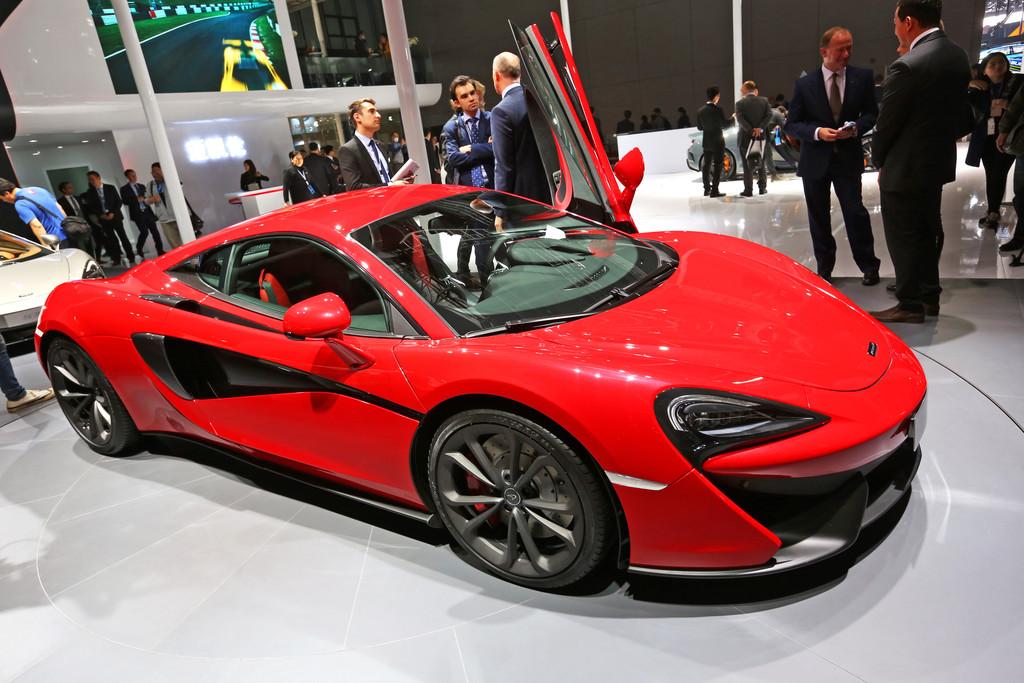 Shanghai 2015: McLaren 540C ist in unter elf Sekunden auf 200. © spothits/Auto-Medienportal.Net/Manfred Zimmermann