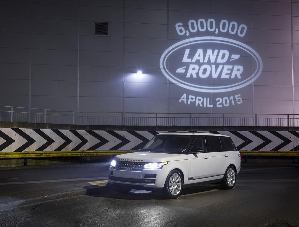 Der sechsmillionste Land Rover wirft ein besonderes Licht. © spothits/Auto-Medienportal.Net/Land Rover