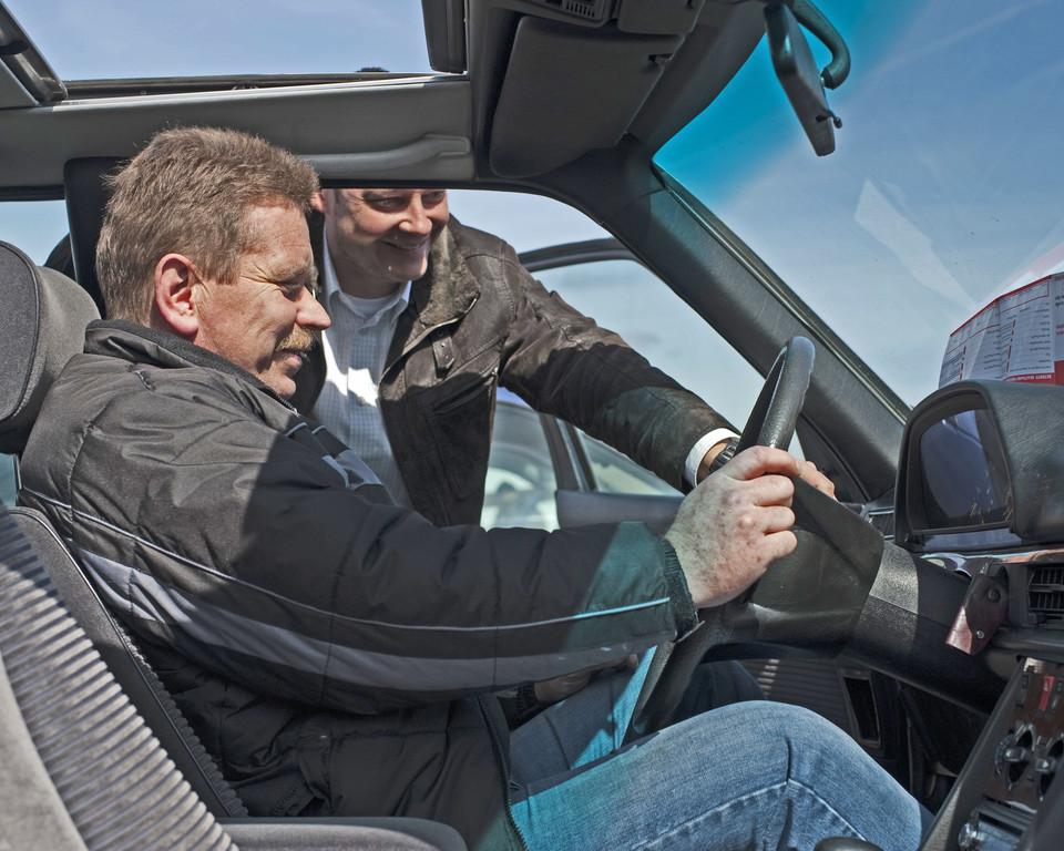 Autokauf: Ausführliche Erklärungen steigern Zufriedenheit. © spothits/Auto-Medienportal.Net/ADAC