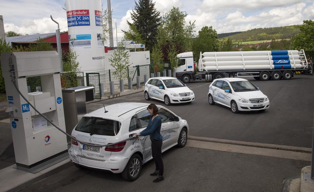 Erste Wasserstoff-Tankstelle an der Autobahn. © spothits/Auto-Medienportal.Net/Daimler