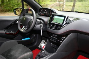 Peugeot 208 GTi 30th, 308 GT und RCZ-R: Flotte Franzosen. © spothits/Auto-Medienportal.Net