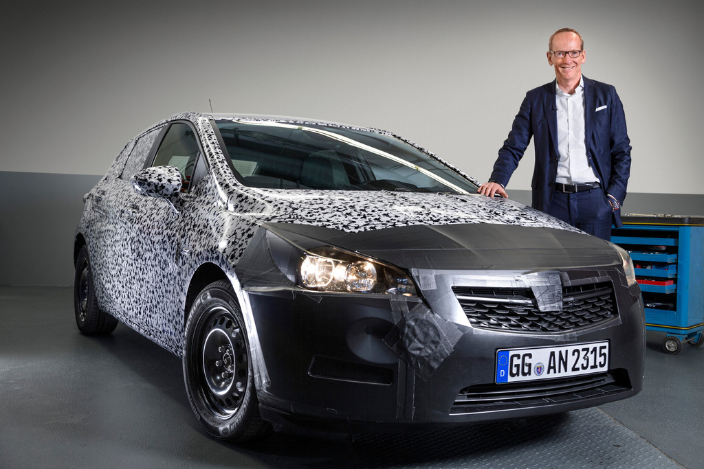 Opel Astra: Neumann verspricht phantastisches Design. © spothits/Auto-Medienportal.Net/Opel