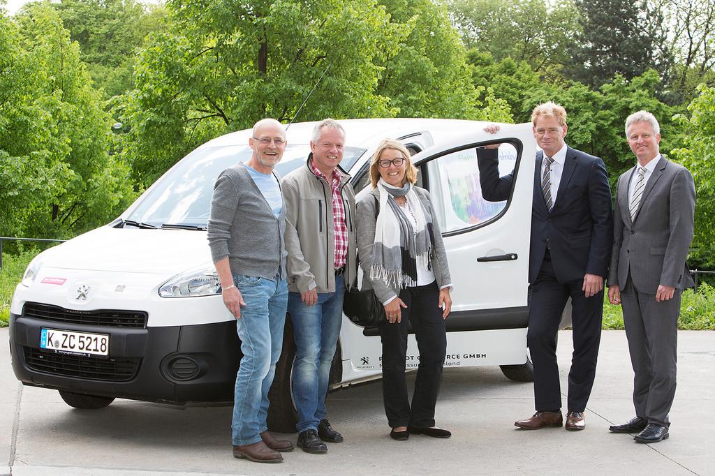 Elektromobil im Betriebsalltag überrascht Kölner positiv. © spothits/Auto-Medienportal.Net/Peugeot