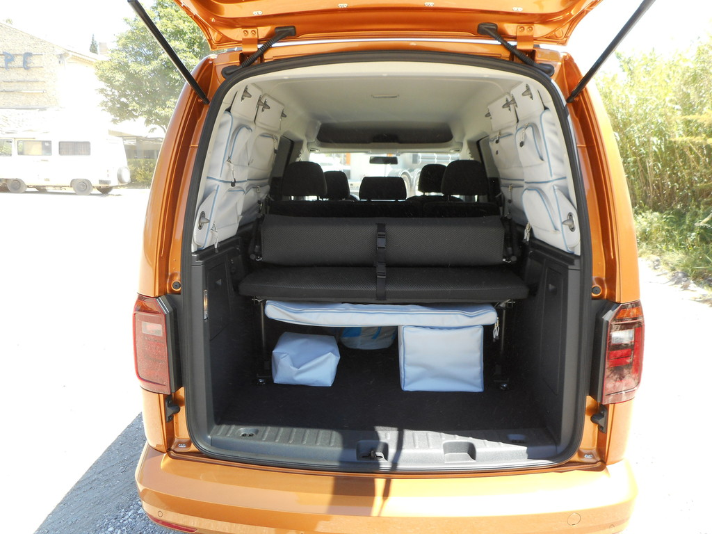 volkswagen caddy weiter geht 39 s spothits. Black Bedroom Furniture Sets. Home Design Ideas