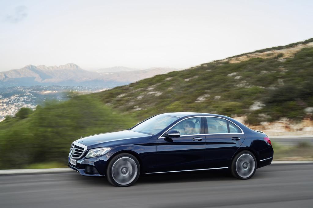 Eine Million Mercedes-Benz aus East London . © spothits/Auto-Medienportal.Net/Daimler