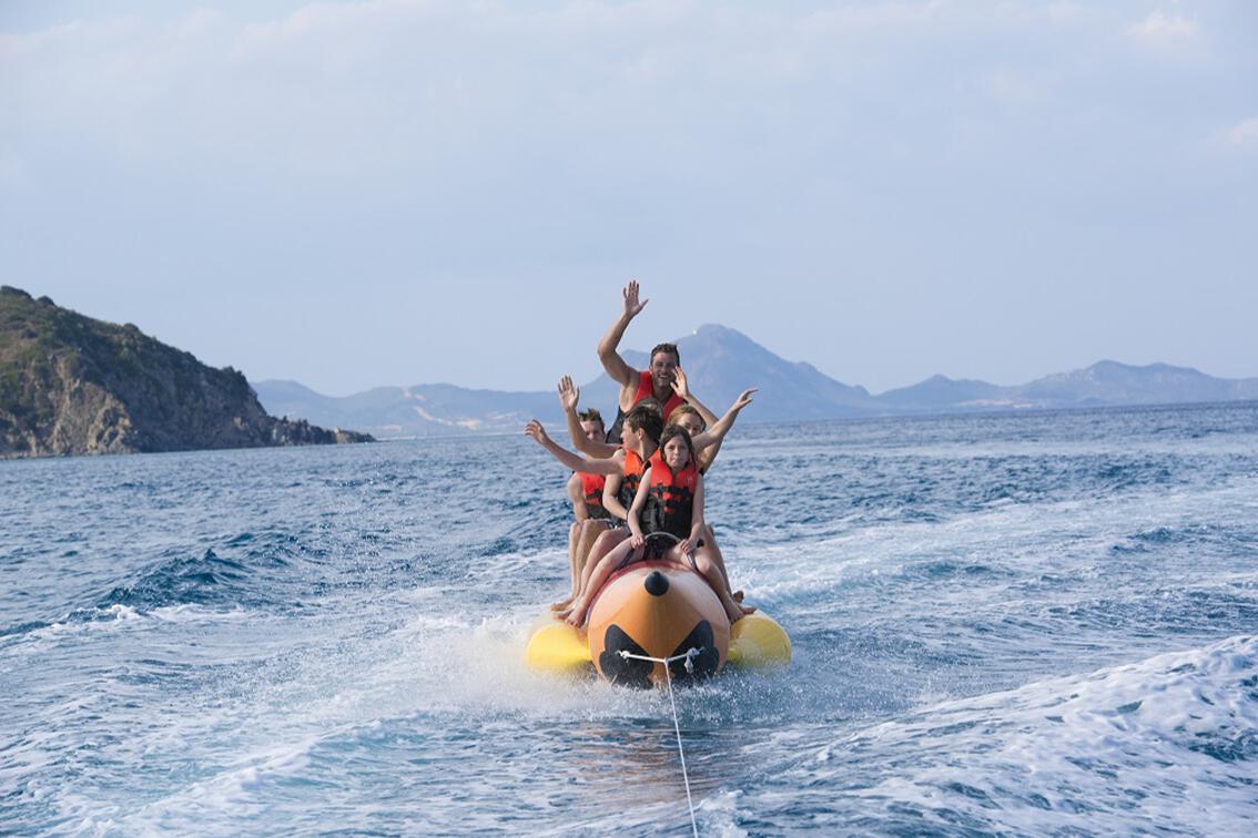 Bananenboot. © spothits/vtours