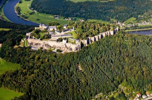 Festung Königstein thront über der Elbe. © spothits/Herbert Boswank