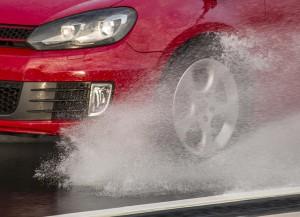 Ratgeber: Zu niedriger Reifendruck hebt das Unfallrisiko. © spothits/Auto-Medienportal.Net/GTÜ
