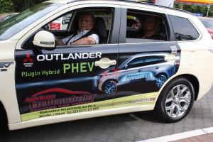 Mitsubishi Plug-in Hybrid Outlander im Taxi-Einsatz: In der Stadt meist elektrisch. © spothits/Auto-Medienportal.Net/Mitsubishi