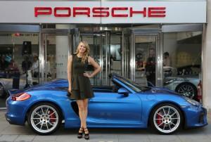 Maria Sharapova fährt Porsche Boxster Spyder. © spothits/Auto-Medienportal.Net/Porsche