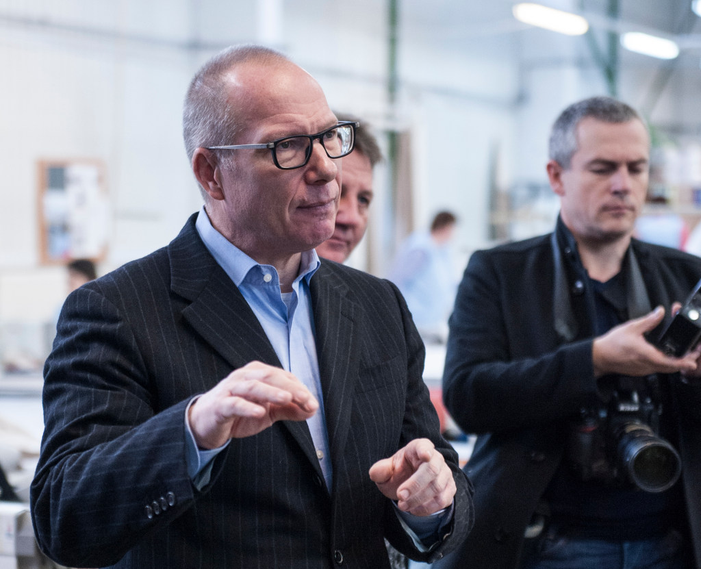 Wolfgang Speck (l.), Vorsitzender der Geschäftsführung der KnausTabbert GmbH im Gespräch mit spothits: Ein junger Enterpreneur der Freizeit-Mobilität. © spothits/Gergely Besenyei.