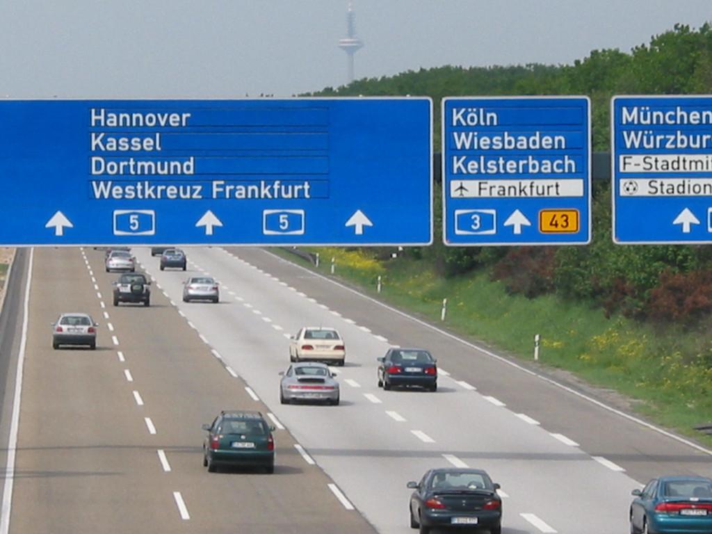 Versicherer empfehlen: An Autobahnrichtgeschwindigkeit halten. © spothits/Auto-Medienportal.Net/ACE