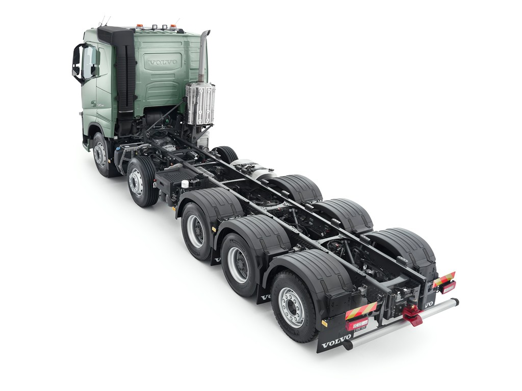 Volvo FMX und FH auch als Fünfachser. © spothits/Auto-Medienportal.Net/Volvo