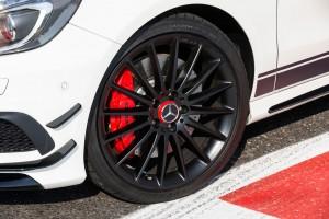 Dunlop und AMG: Es begann mit der Roten Sau. © spothits/Auto-Medienportal.Net/Dunlop