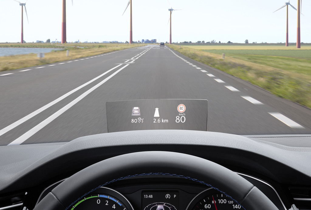 Head-up-Display für den VW Passat bestellbar. © spothits/Auto-Medienportal.Net/Volkswagen