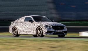 AMG jagt das C 63 Coupé schon über den Hockenheimring. © spothits/Auto-Medienportal.Net/Daimler