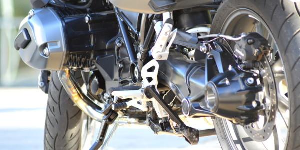 Test BMW R 1200 R: Ein Roadster startet ins 21. Jahrhundert.