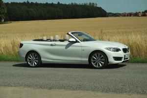 BMW 220i Cabrio: Gut behütet. © spothits/Auto-Medienportal.Net