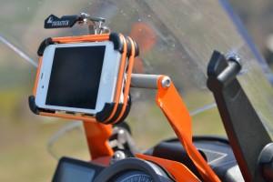 Touratech iBracket: Smartphone-Halterung für iPhone, Samsung, Sony und Co. © spothits/Touratech