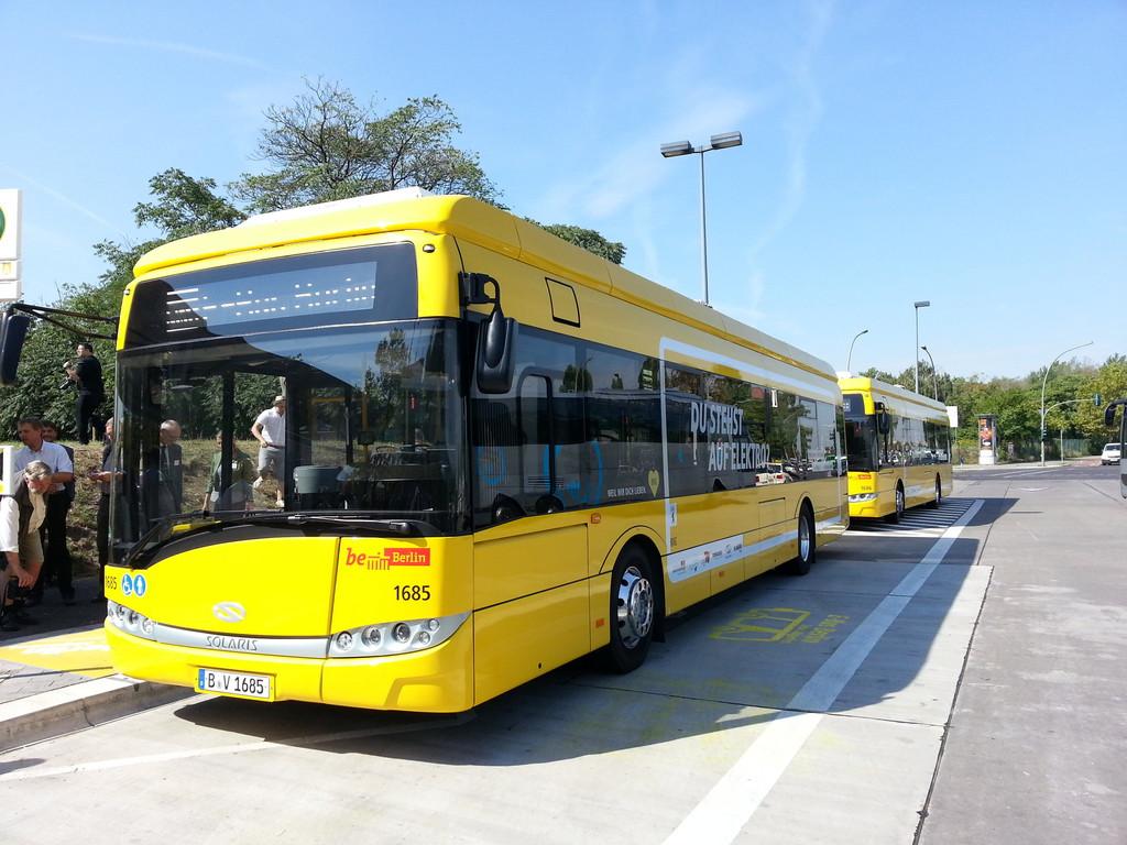 Berlin setzt Buslinie unter Strom. © spothits/Auto-Medienportal.Net/Solaris