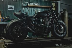 "Yamaha XJR 1300 als ""Guerilla Four"". © spothits/Auto-Medienportal.Net/Yamaha"