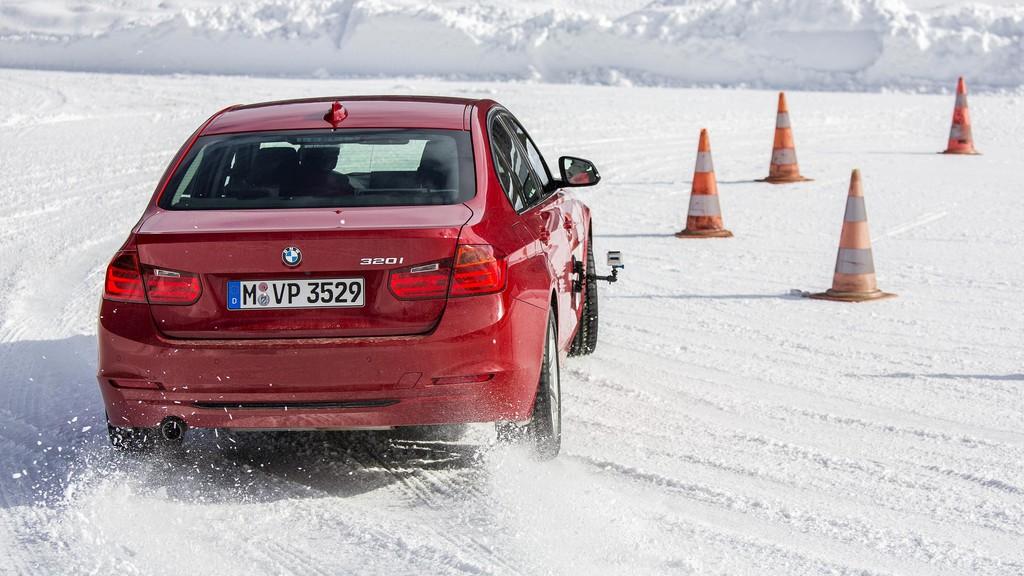 GTÜ testet Winterreifen für die Mittelklasse. © spothits/Auto-Medienportal.Net/Tschovikov/GTÜ