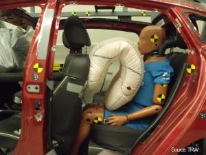 ADAC testet Sicherheit auf der Rücksitzbank. © spothits/Auto-Medienportal.Net/ADAC