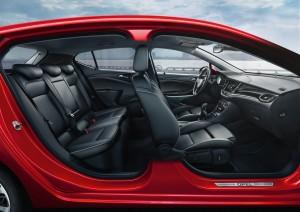 Opel Astra: Oberklasse ärgern. © Auto-Medienportal.Net/Opel