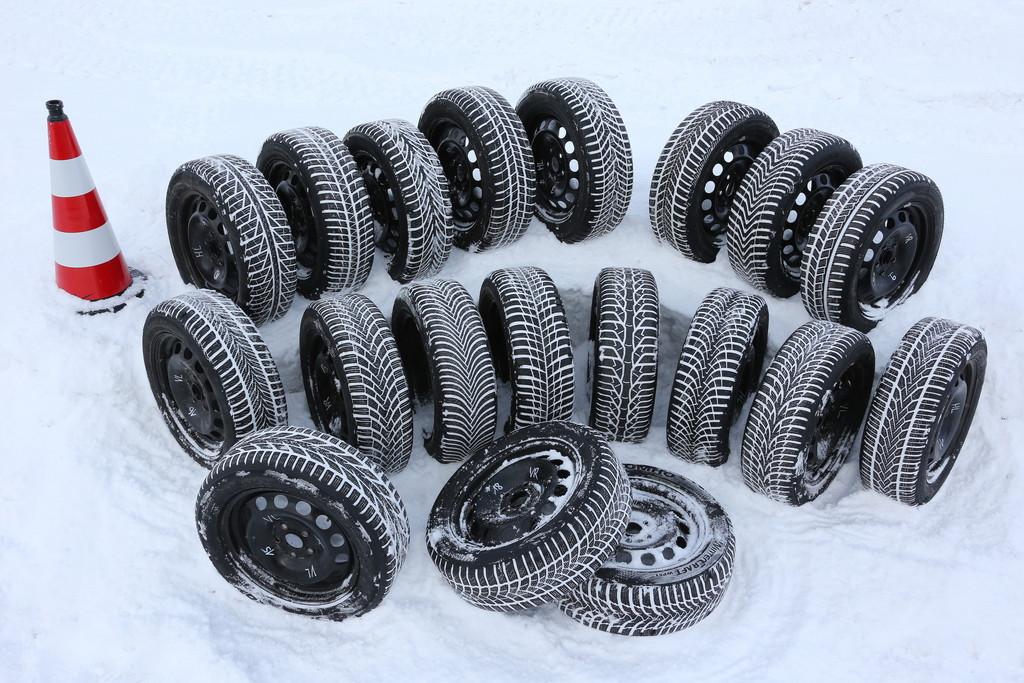 """ADAC-Winterreifentest: Fünf Modelle sind """"gut"""". © spothits/Auto-Medienportal.Net/ADAC"""