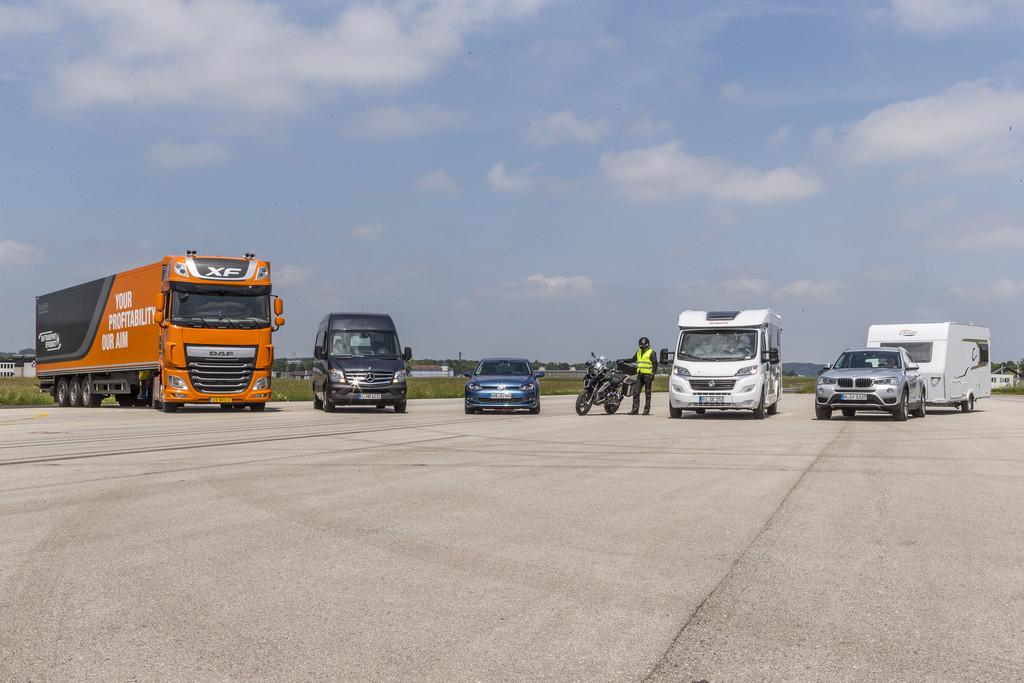 ADAC vergleicht Bremswege verschiedener Fahrzeuggattungen. © spothits/Auto-Medienportal.Net/ADAC