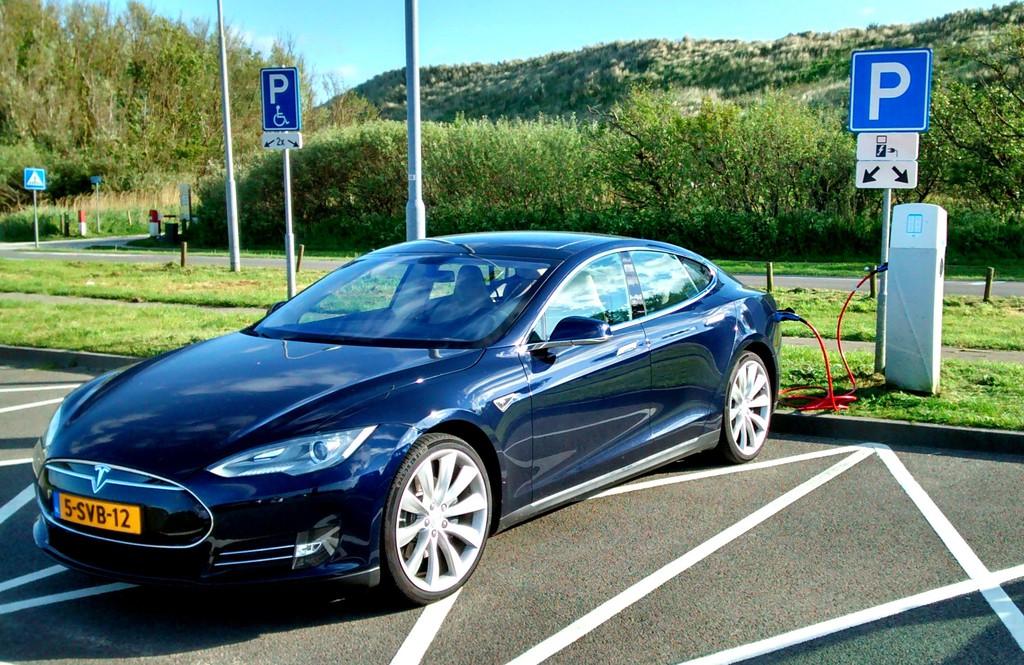 Tesla modernisiert Autopilot-Funktionen beim Model S. © spothits/Auto-Medienportal.NetTesla