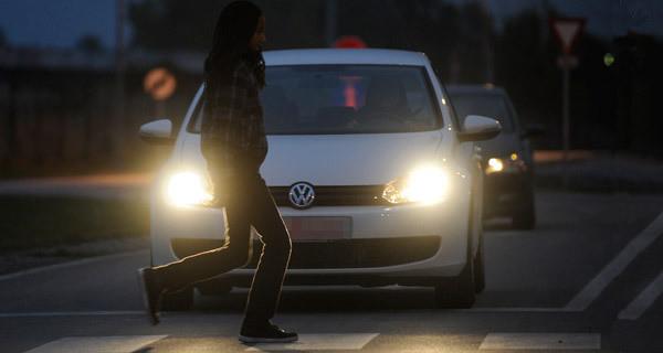 Ratgeber: Fußgänger sind im Winter besonders gefährdet. © spothits/Auto-Medienportal.Net/GDV