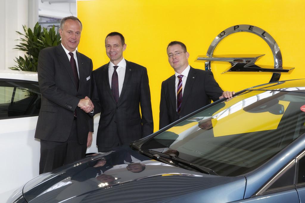 Opel-Partner Aurego erweitert in Remscheid. © spothits/Auto-Medienportal.Net/Opel