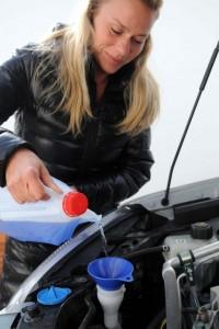 Ratgeber: Auto möglichst früh für den Winter fit machen. © spothits/Auto-Medienportal.Net/TÜV Süd