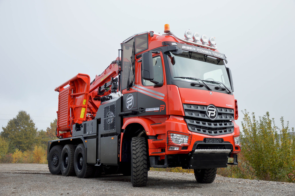 Biber Power Truck Turox rückt dem Holz zu Leibe. © spothits/Auto-Medienportal.Net/Paul Nutzfahrzeuge