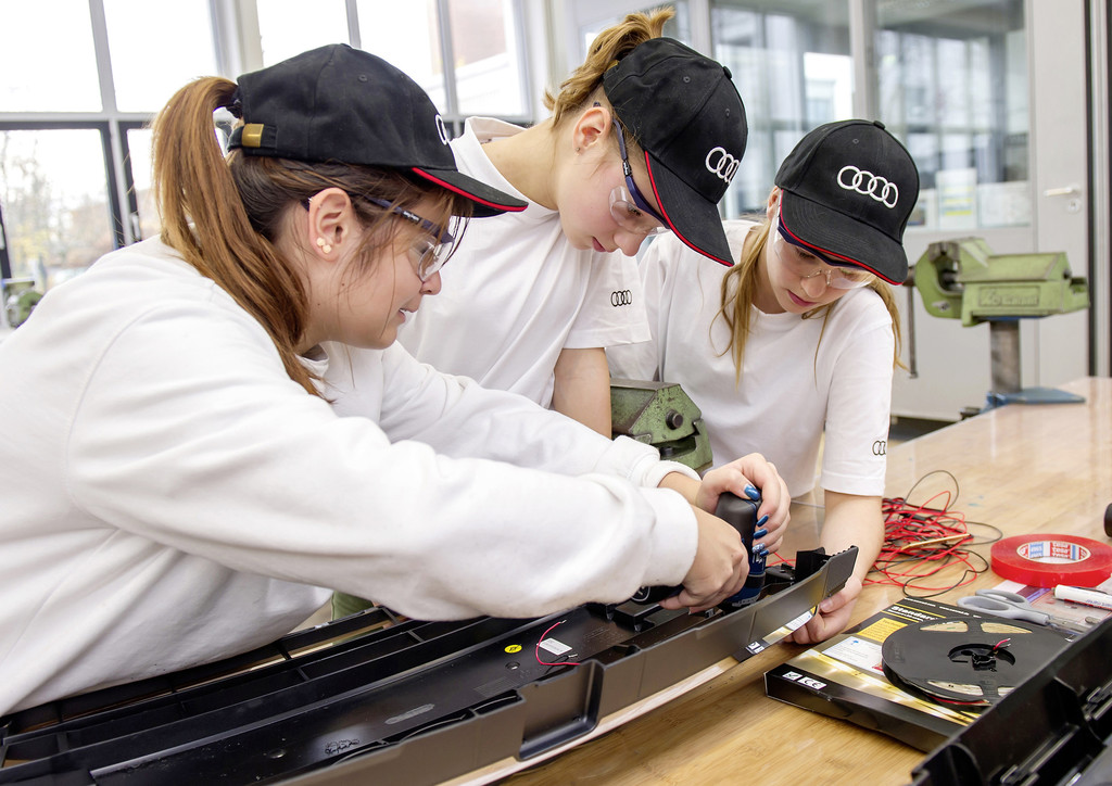 Technik-Camp für Mädchen bei Audi. © spothits/Auto-Medienportal.Net/Audi